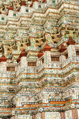 wat arun: Wat Arun Rajwararam or Temple of the Dawn is a Buddhist temple (wat) in the Bangkok Yai district of Bangkok, Thailand