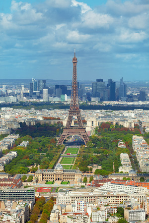 la defense: Eiffel tower as seen from Montparnasse Tower. La Defense business district seen on background.