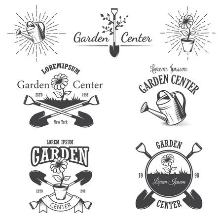 ビンテージの園芸用品センター エンブレム、ラベル、バッジ、ロゴおよび設計要素のセットです。モノクロのスタイル