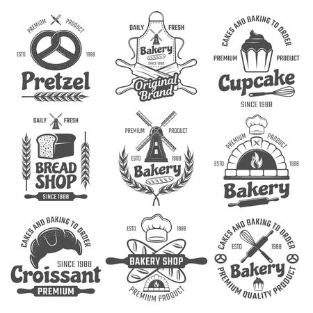 Boulangerie emblèmes blancs noirs avec moulin et pain de blé et de pâtisserie outils culinaires illustration isolé Vecteurs