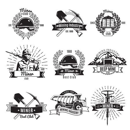 Bergbau Jahrgang schwarz weiß Embleme mit Arbeiter und Ausrüstung Bänder Kränze und Strahlen isoliert Illustration Standard-Bild - 67503993
