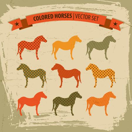 Conjunto de ícones de cavalos coloridos com ilustração em vetor isoladas título e fita Foto de archivo - 83363144