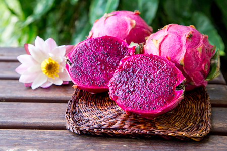 bright juicy tropical red dragon fruit. Dragon fruit or Pitaya is the plant in Cactaceae family or Cactus Stockfoto