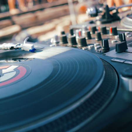turntable: Djs equipment - turntable and mixer