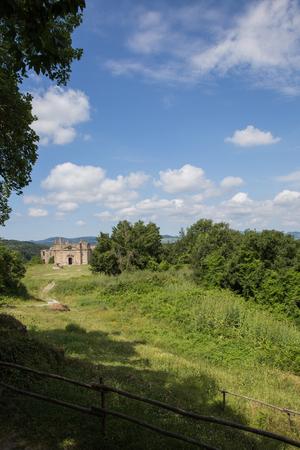 イタリア ラツィオ州、Monterano の放棄された町の古代遺跡