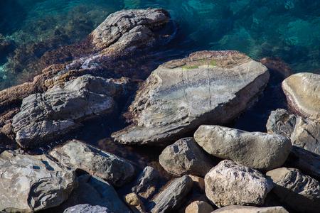 De rotsen van de Middellandse Zee in Ligurië Stockfoto