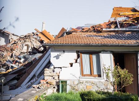 アマトリーチェ、イタリア、2017年4月29日。2016年にイタリア中部を襲った地震による被害。アマトリーチェ、イタリア、2017年4月29日。 写真素材 - 96948509