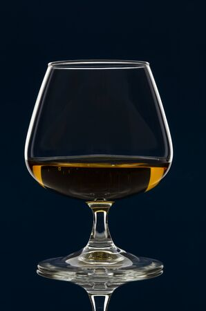 glass of Calvados Brandy and red apples with Banque d'images