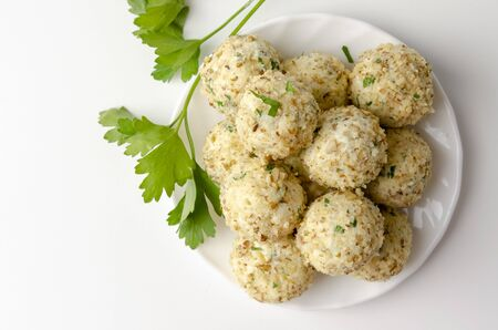 cheese balls with three types of cheese without baking. keto diet