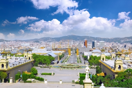 barcelone: Placa d'Espanya, Barcelona. Vue de la ville de Barcelone de la montagne Tibidabo haut.