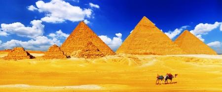 大ピラミッド、エジプトでギザに位置しています。 写真素材