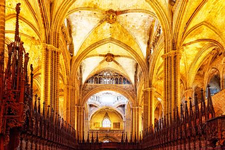 religion catolica: Catedral interior. Catedral de la Santa Cruz y Santa Eulalia. Barcelona.Spain