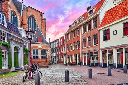 """prostituta: Hermosas vistas de las calles, edificios antiguos de Ámsterdam - también llaman """"Venecia del Norte"""". Netherland"""