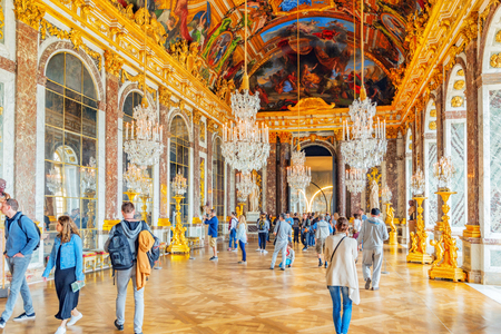 VERSAILLES, FRANCE - JULY 02, 2016 : Hall of Mirrors(Galerie des Glaces )- is the palace's most celebrated room. Setting for many of the ceremonies.Chateau de Versailles. Redakční