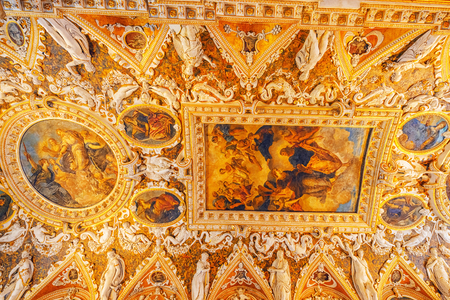 venice: VENICE, ITALY - MAY 12, 2017 : Indoor view of apartament  St. Marks Cathedral (Basilica di San Marco) with beautiful decoration of the internal chambers. Italy.