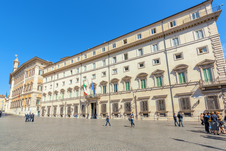 ROME, ITALY - MAY 09, 2017: Palace Chigi ( Palazzo Chigi )and Square Column (Piazza Colonna) Rome. Italy. 報道画像