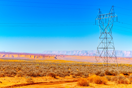 Azirona landscape the American Southwest. Hi -Power Transmisson electric  Line on the green fields. USA. Imagens