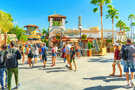 Los Angelos, California, USA - September 07, 2018: World famous park Universal Studios in Hollywood. Central walking streets of the park. Фото со стока - 122328435