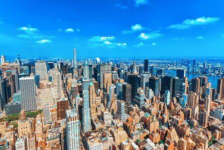 Blick auf Manhattan von der Aussichtsplattform des Wolkenkratzers. New York. VEREINIGTE STAATEN VON AMERIKA.