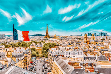 Beautiful panoramic view of Paris from the roof of the Pantheon. View of the Eiffel Tower and flag of France. 版權商用圖片