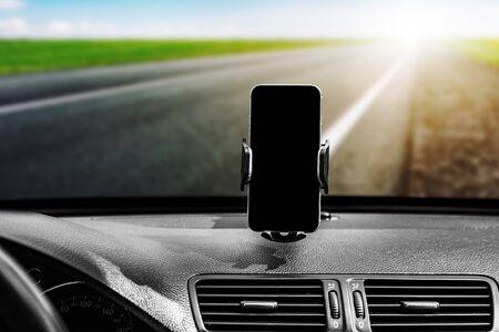 Car smart phone holder Banque d'images - 138181429