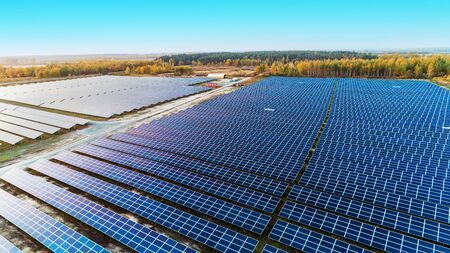 Solar panels in aerial view. Solar panels system power generators from sun Banque d'images
