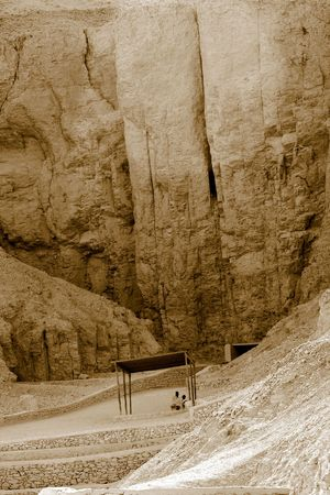 soli: Egyptians to stand in the shadow of a tomb at the Valley of the Kings - Egypt