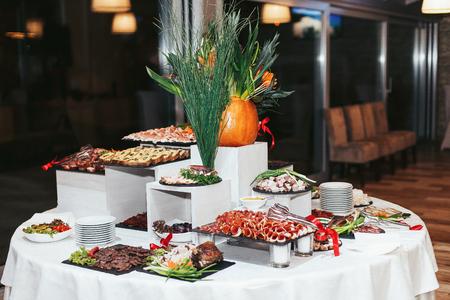 Table Appetizer arrenged pour un dîner festif