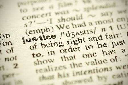 giustizia: Definizione del dizionario della parola
