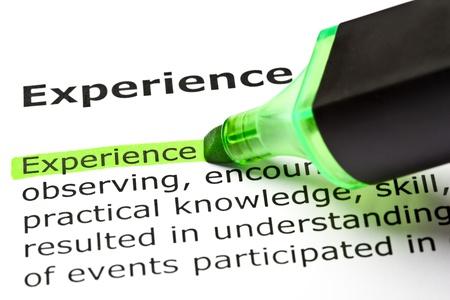 """""""Experiencia"""" de la palabra resaltada en verde con un rotulador Foto de archivo"""