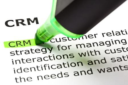 relation clients: � CRM � - Customer relationship management, a mis en �vidence en vert avec stylo feutre