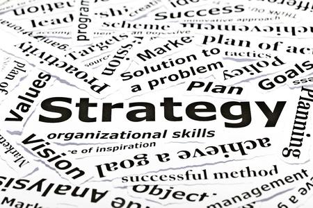'Estrategia' concepto con muchas palabras relacionadas con otras