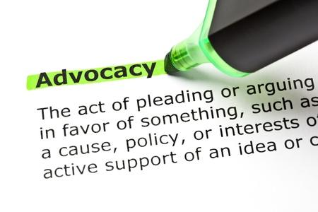 Het woord Advocacy in het groen met een viltstift