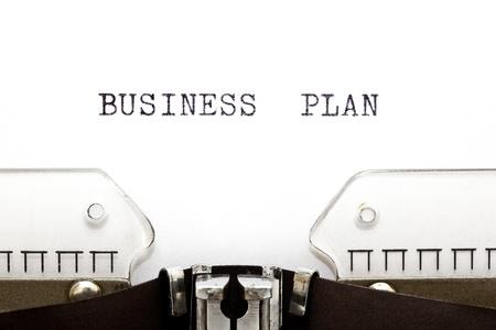 摘要: 與商業計劃書的概念圖像打印在一台舊打字機