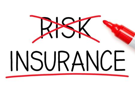 醫療保健: 選擇保險,而不是風險。保險強調用紅色標記。 版權商用圖片