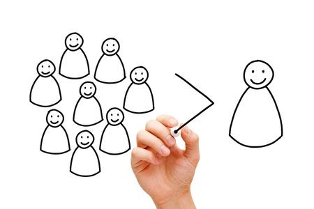 zusammenarbeit: Hand Zeichnen eines Teamwork-Konzept mit Marker auf Transparentpapier wischen Bord. Ein gutes Team ist mehr als die Summe von Individuen! Lizenzfreie Bilder