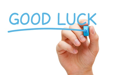 buena suerte: Escritura de la mano buena suerte con marcador azul a bordo limpie transparente.