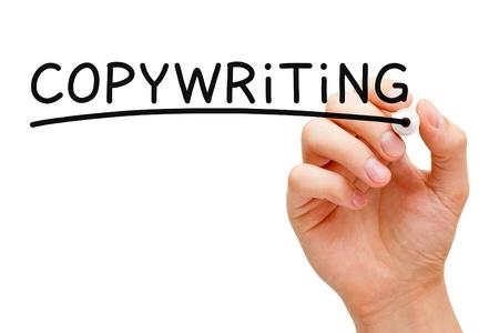 koncept: Hand skriva Copywriting med svart markering på transparent torka ombord.
