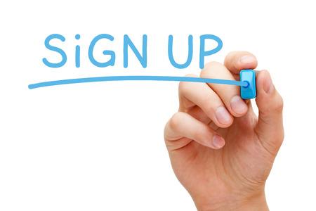 手書きのサインアップ青色のマーカーと透明なワイプ ボード上。