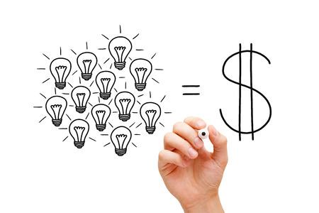 Hand sketching Teamwork light bulbs success concept with black marker. Teamwork leads to success. 版權商用圖片