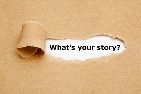 El texto ¿Cuál es su historia que aparece detrás de papel marrón rasgado. Foto de archivo - 39809046