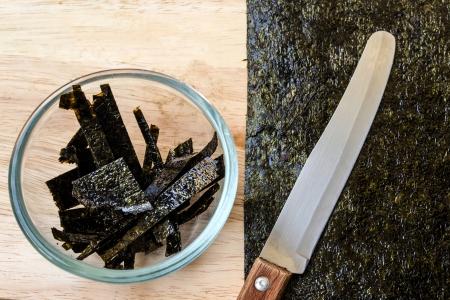 dann: Algen, dann schneiden in Glas
