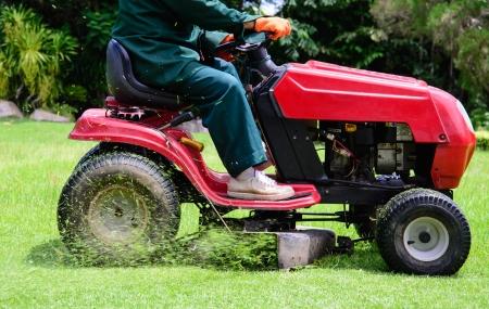 gras maaien: Grasmaaien dienst