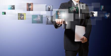 Geschäftsmann Kontakt zu digitalen Bilder Standard-Bild - 27357113