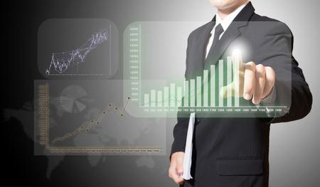 Geschäftsmann Touch-Grafik zu verbessern schlagen mehr Standard-Bild - 27357137