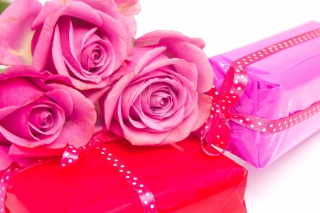 Valentine s gifts with three pink roses photo