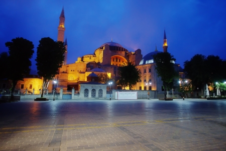 The square of Hagia Sophia mosque in Istanbul at night Stock Photo - 19739609