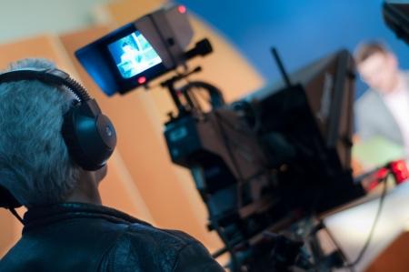 viewfinder: Videocamera mirino - registrazione in studio TV - Talking To The Camera  Archivio Fotografico