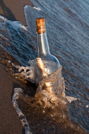 desperado: Message in a bottle stranded on the beach