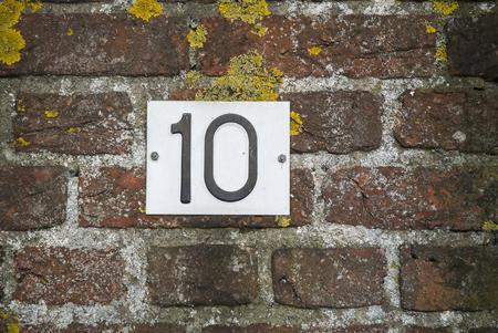 number plate: Huisnummer  number plate 10